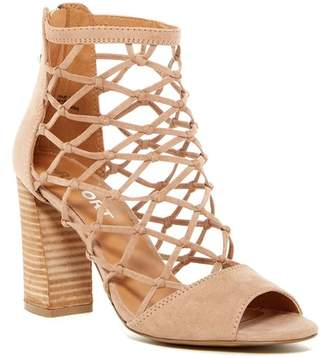 Report Mixie Block Heel Sandal $70 thestylecure.com