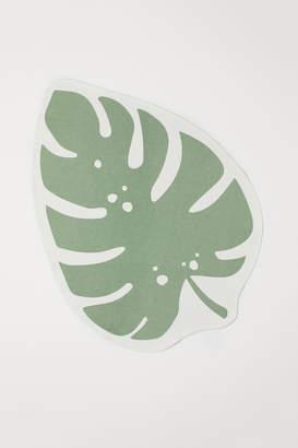 H&M Leaf-shaped cotton rug