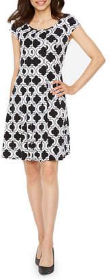 Ronni Nicole Short Sleeve Geometric Shift Dress-Petite