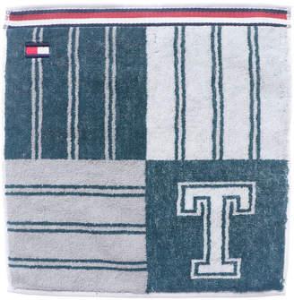 Tommy Hilfiger (トミー ヒルフィガー) - トミーヒルフィガー TOMMY HILFIGER イニシャルデザインタオル