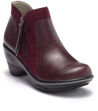 Jambu JBU by Pilot Encore Zip Ankle Bootie