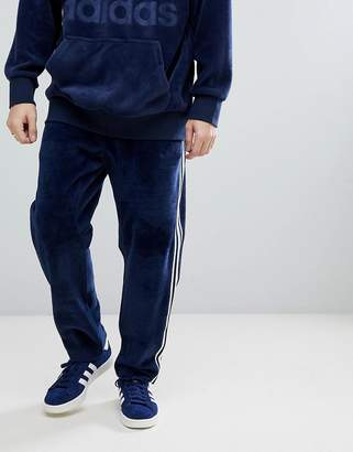 adidas Adicolor Velour Joggers In Tapered Fit In Navy Cw4916