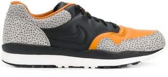 Nike Safari sneakers