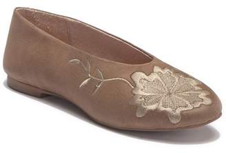 Seychelles Campfire Leather Embroidered Flat