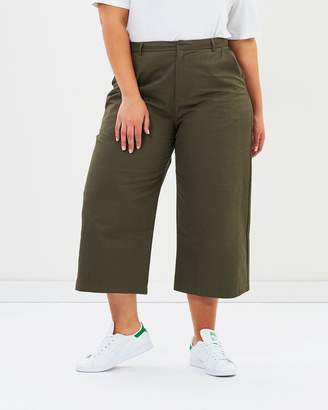 ICONIC EXCLUSIVE - Steffie Crop Pants