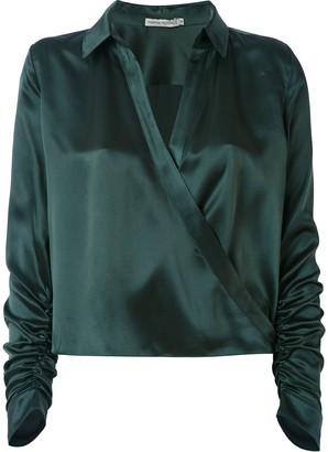 Martha Medeiros wrap Andrea shirt