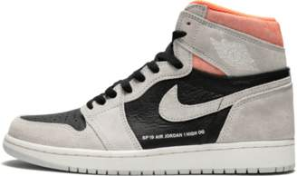 Air Jordan 1 Retro High OG Neutral Grey/Black 'Neutral Grey/Hyper Crimson'