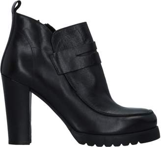 PAOLINA PEREZ Ankle boots - Item 11533837UL
