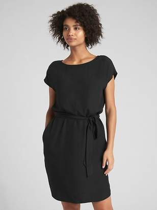Gap Short Sleeve Tie-Belt Shift Dress