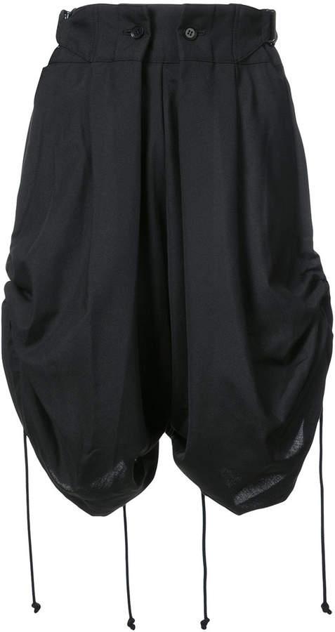 Shorts mit Raffung