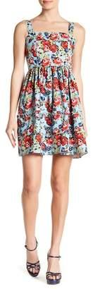 Romeo & Juliet Couture Floral Ruffle Hem Dress