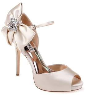 Badgley Mischka Samra Bow Pump