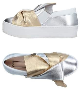 N°21 Low-tops & sneakers