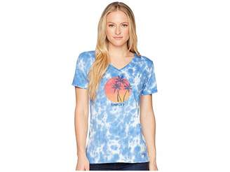 Life is Good Simplify Palms Crusher Vee Tee