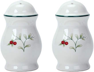 Pfaltzgraff Winterberry Salt And Pepper Set
