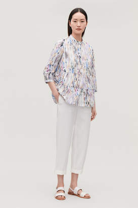 Cos PRINTED COLLARLESS BLOUSE