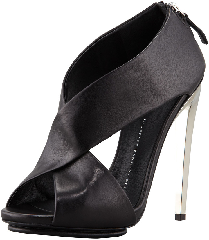 Giuseppe Zanotti Crisscross Leather Sandal, Black