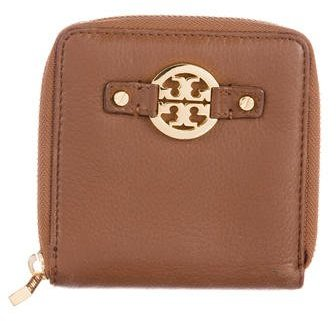 Tory Burch Tory Burch Grained Leather Zip Wallet