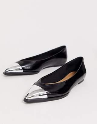Logan Asos Design ASOS DESIGN pointed ballet flats with toe cap in black