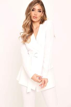 3b1e6975e83b I SAW IT FIRST White Crepe D-Ring Belted Blazer