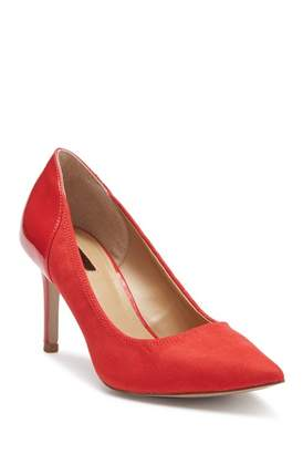 Tahari Parson Pointed Toe Pump