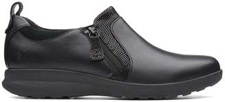 Clarks Womens Black Un Adorn Zip Shoe - Black