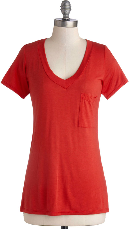 Simply Styled Top in Apple