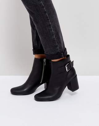 London Rebel Buckle Kitten heel Boot