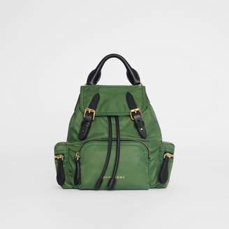 Burberry The Small Crossbody Rucksack in Nylon, Green