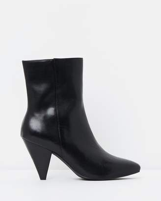 Atmos & Here ICONIC EXCLUSIVE - Noel Leather Ankle Boots