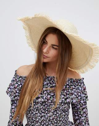 Glamorous Straw Hat With Frayed Edge