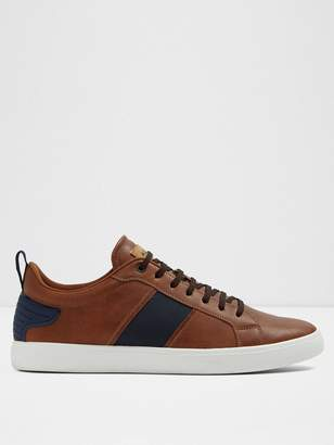 Olardon Low Top Sneaker