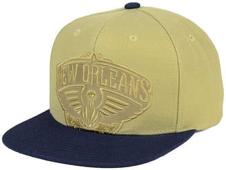 Mitchell & Ness New Orleans Pelicans Cropped Satin Snapback Cap