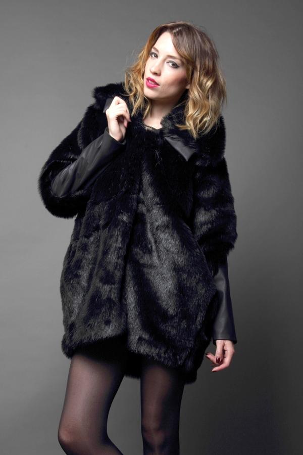 Carnet de Mode Coat - Faux Fur - Black