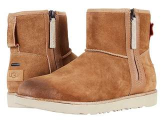 UGG Classic Mini Zip Waterproof