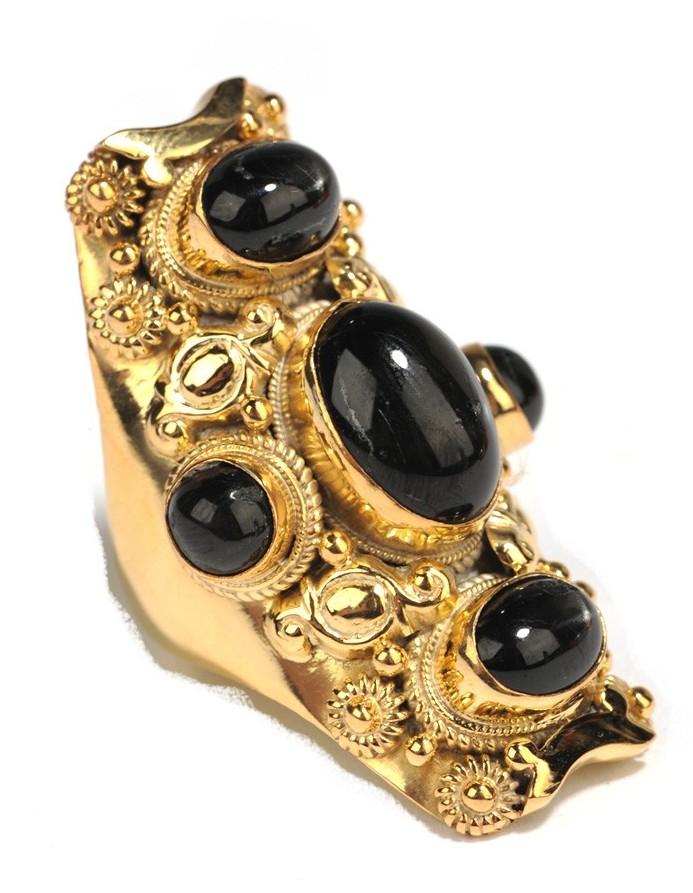 Soixante Neuf Five Stone Black Star Sapphire Ring