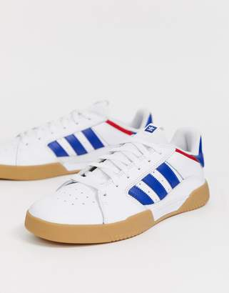 half off d7ab5 f66c6 adidas Skateboarding Skateboarding VRX trainers with gum sole in white