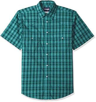 Wrangler Men's Wrinkle Resist Short Sleeve Snap Front Shirt