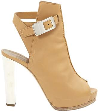 Hermes Beige Leather Heels