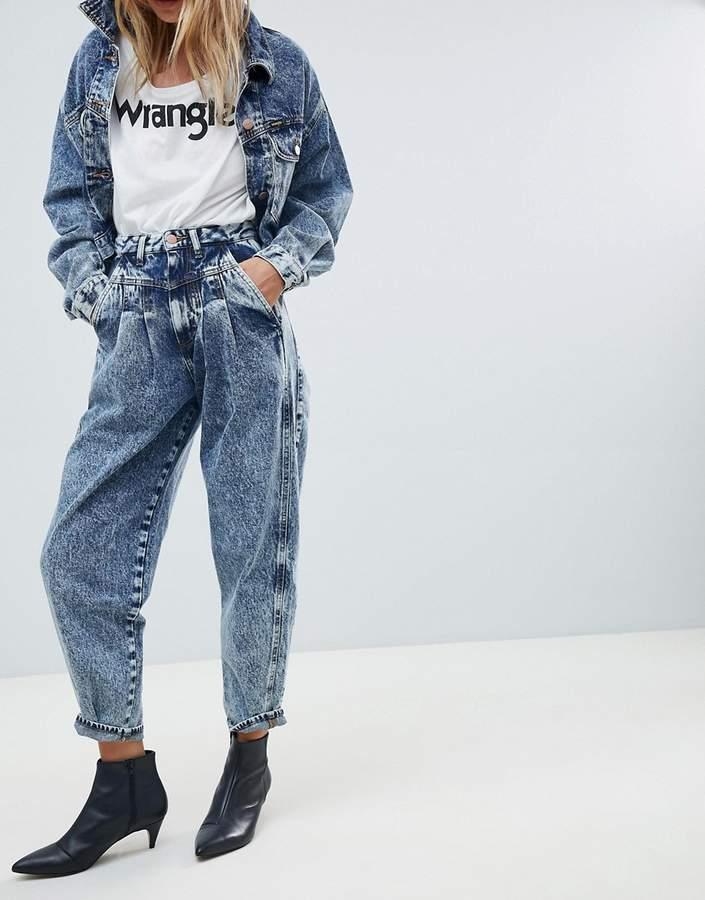 Wrangler mom fit jean in stonewash