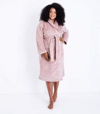 New Look Curves Pink Fluffy Robe