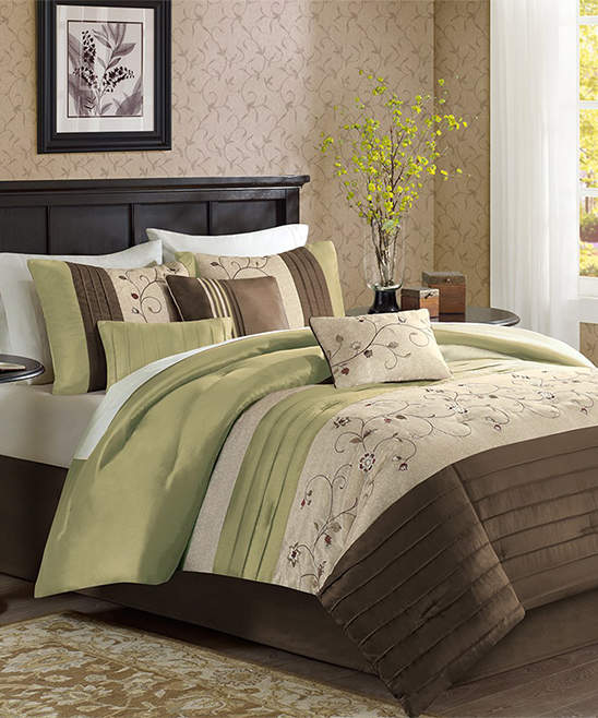 Green Floral Scroll Seven-Piece Comforter Set