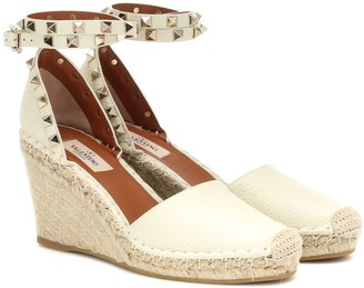 25f2a46d8ac9 Valentino Rockstud Double leather wedge espadrilles