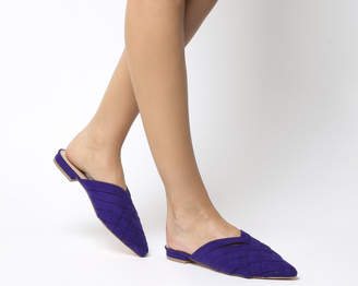 Office Fluttering Woven Point Mules