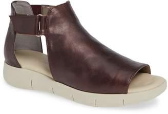 The Flexx Front Row Sandal