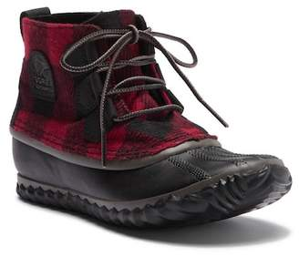 Sorel Out N About Plaid Lace Boot
