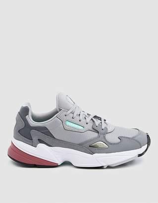 adidas Falcon W Sneaker in Grey Two/Trace Maroon