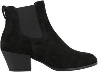 Hogan H401 Ankle Boots