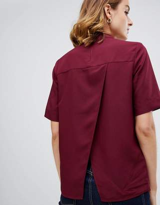 Warehouse short sleeve blouse with open back in burgundy