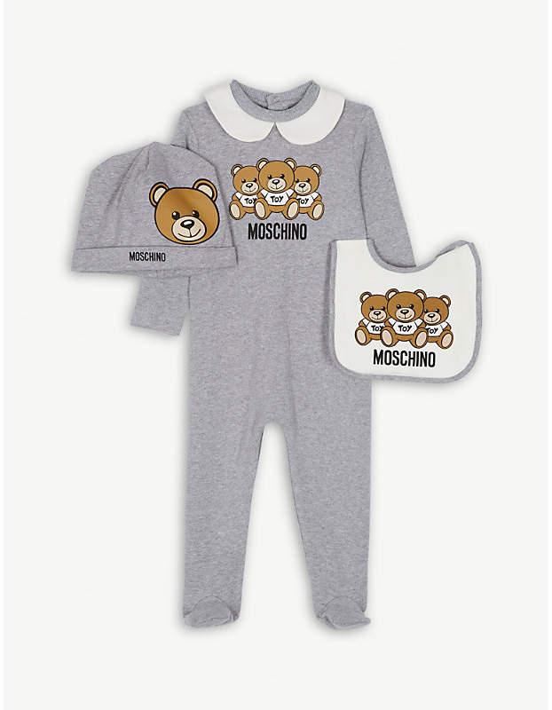 Moschino Bear stretch-cotton babygrow, beanie and bib 1-12 months